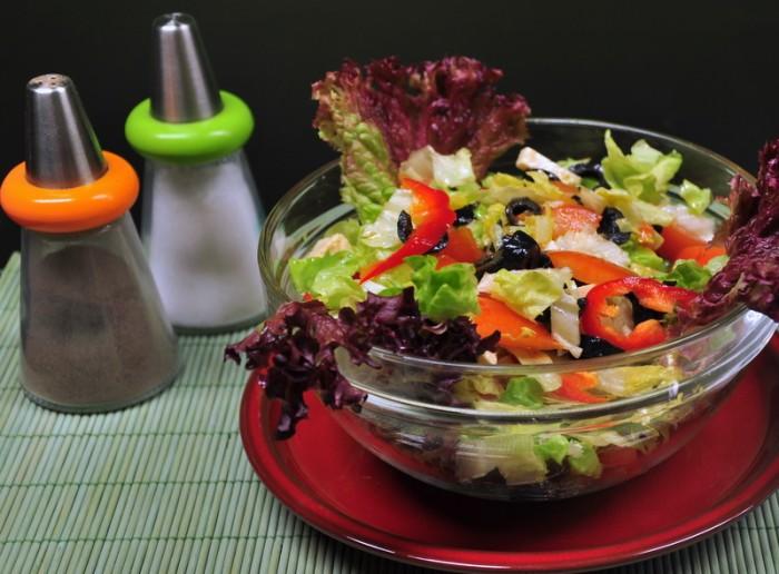 Salate proaspete si aromate